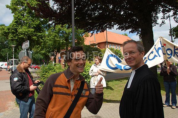 http://www.hilfe-fuer-marco.de/media/bilder/2010/Film_247_Tage/SWE_7550.jpg